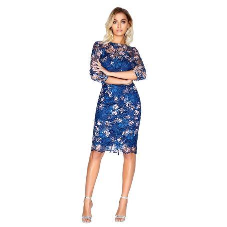 4d490a88d735 Modré krajkové šaty s kvetmi ...